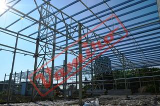 Konstrukce haly 20x60x8 m - Starší konstrukce haly. Top stav.
